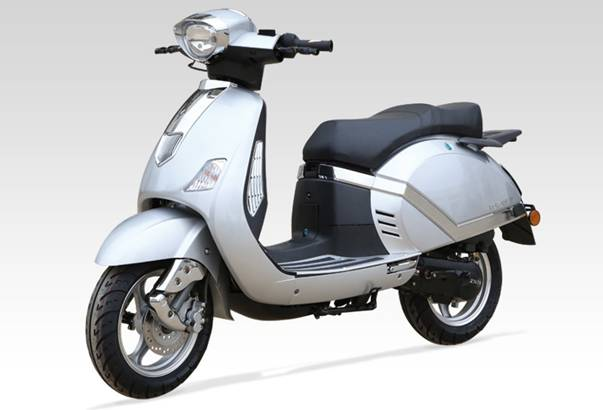 scooter vespa vintage 50cc pas cher scooter neuf moins cher qu 39 un scooter d 39 occasion. Black Bedroom Furniture Sets. Home Design Ideas